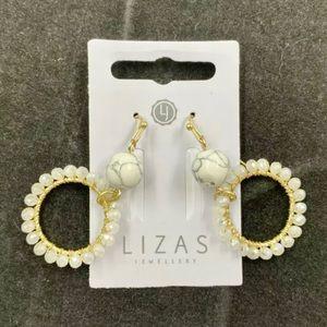 Lizas Brand Lightweight Dangle Earrings